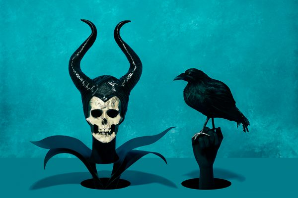 Sintora-Memento-mori-bruja-malefica-cuervo-Horno-Virtual-Gallery-galeria-arte-fotografia-artistica-decorativa-calavera-skull-art