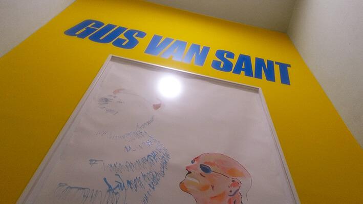 Gus-Van-sant-casa-encendida-madrid-exposicion-Horno-Art-Virtual-Gallery-galeria-online-fotografia-ilustracion-pintura-escultura-decoracion-edicion-limitada-cartel-709x398