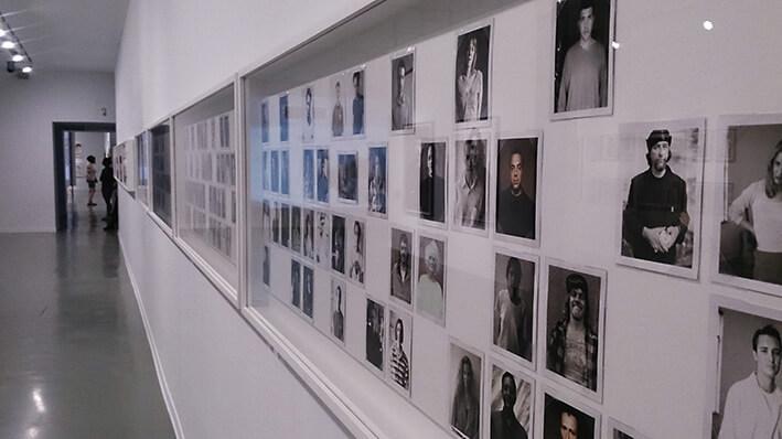 Gus-Van-sant-casa-encendida-madrid-exposicion-Horno-Art-Virtual-Gallery-galeria-online-fotografia-ilustracion-pintura-escultura-decoracion-edicion-limitada-retratos-709x398