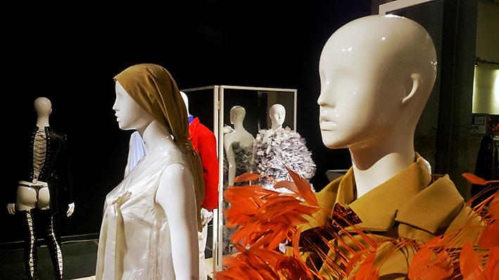 Memorias-del-futuro-2019-matadero-madrid-Horno-Art-Virtual-Gallery-galeria-arte--ilustracion-fotografia-escultura-decoracion-maniqui-abrigos-709x398