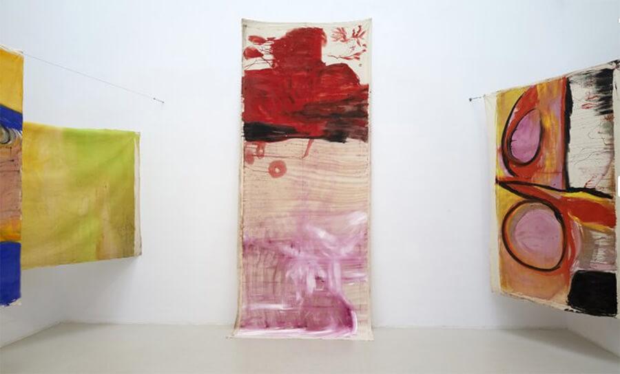Exposicion-Vivian-Suter-Museo-Reina-Sofia-Fuera-Retiro-Horno-galeria-arte-online-900x544